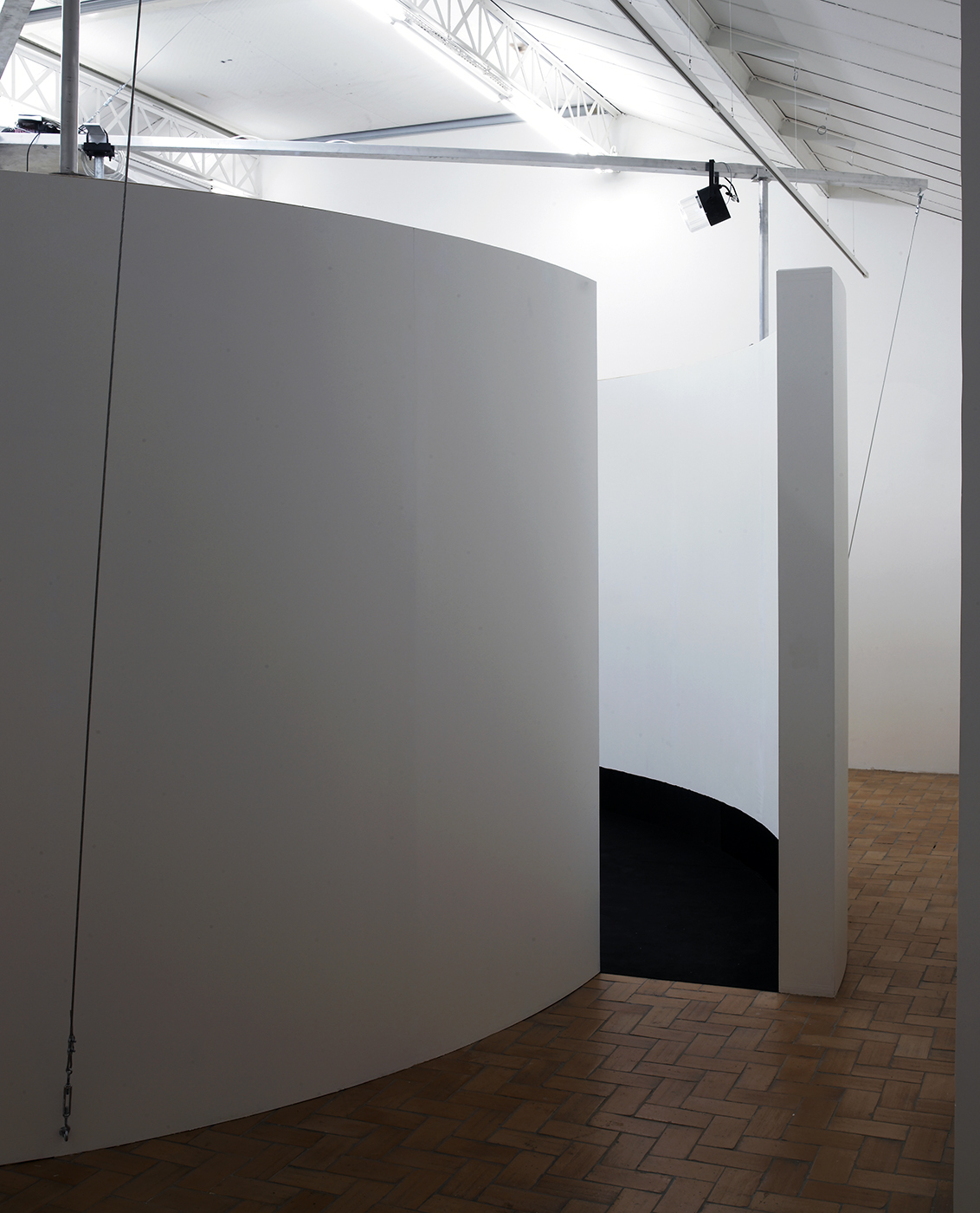 Gary Hill - Exhibition view - It s turtles all the way down, Galerie in situ - Fabienne Leclerc, Paris, 2008